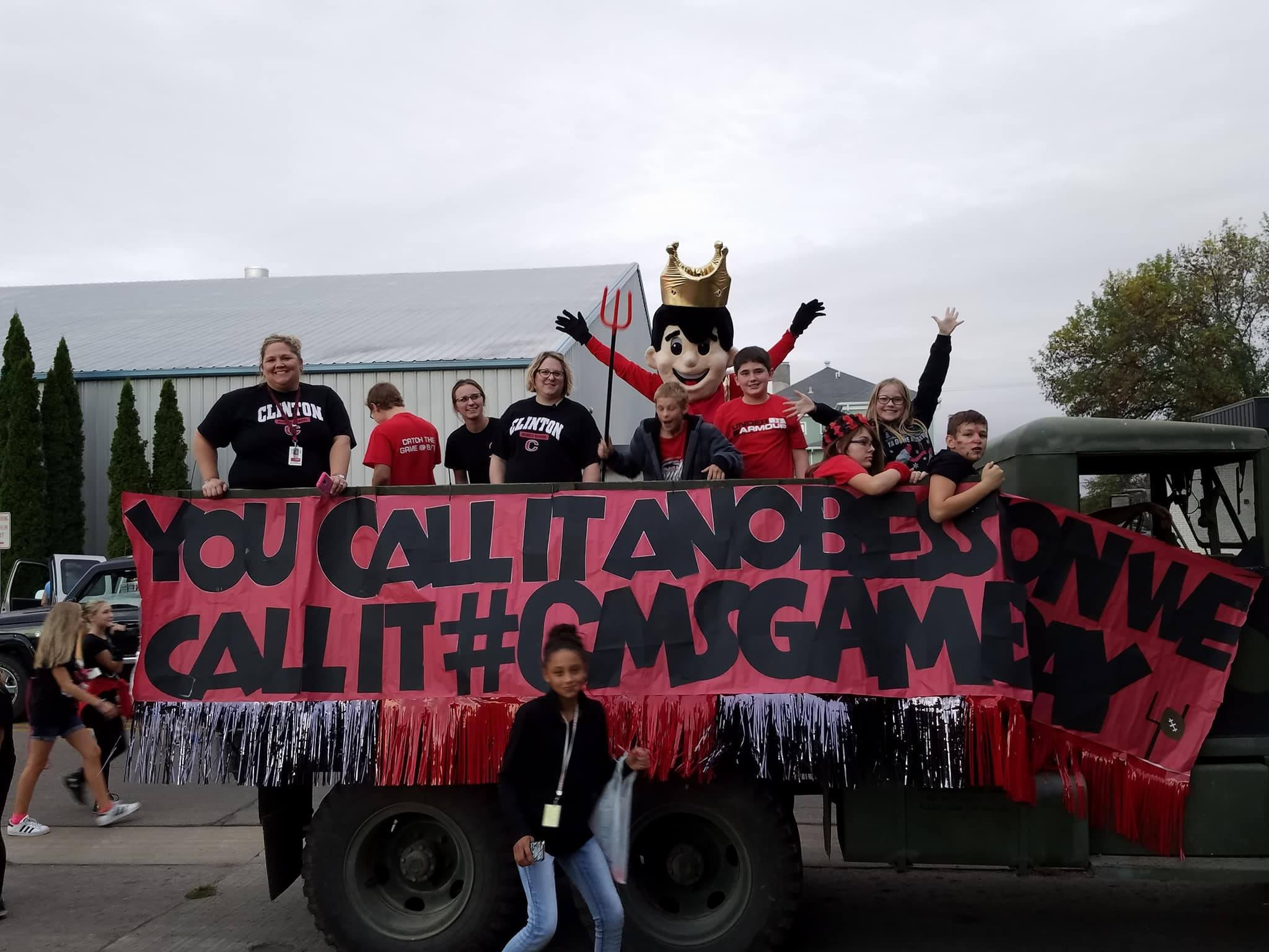 CMS-Students-HOMECOMING-float